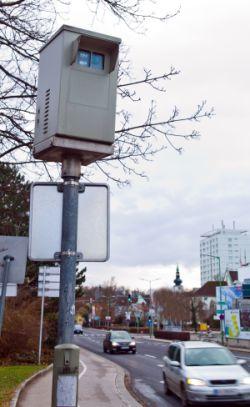 Blitzerkasten: Verkehrsrechtsschutz kann hier helfen