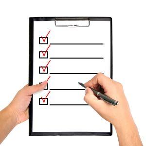 Checkliste mit Stift