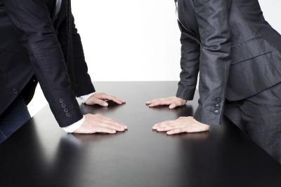 Rechtsschutzversicherung im Scheidungsfall: Mann Frau